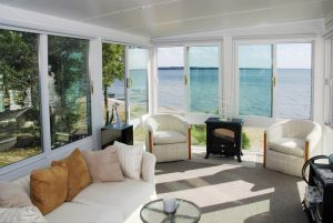 Tips & Tricks For Cleaning Sunroom Windows 1