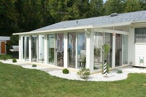 Sunroom vs Screen Room: Why A Sunroom Is Better 1